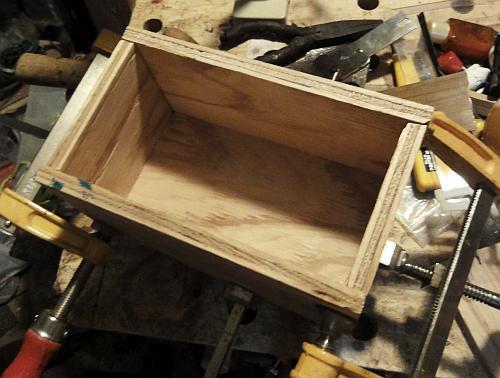 ミニ工具箱 箱接着